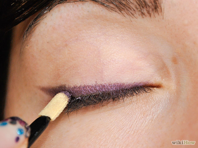 670px-Apply-Makeup-to-Small-Eyes-Step-4