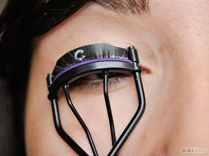 670px-Apply-Makeup-to-Small-Eyes-Step-6